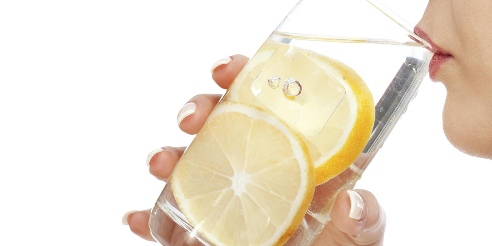 Вода по утрам с лимоном
